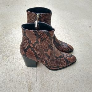 NWOT Zara Snake Skin Boots